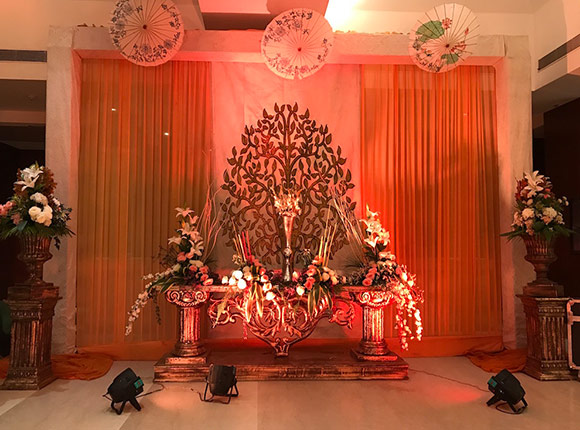 Indoor English Theme Wedding Planner in Mohali